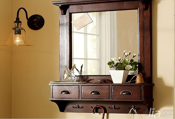 客厅储物柜设计,进门玄关处则是它最佳的摆放位置,小抽屉的设