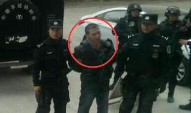 新疆嫌犯盗民警手枪潜逃后被捕